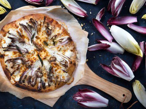 פיצה ביאנקה, אנדיב, אנשובי וצנוברים