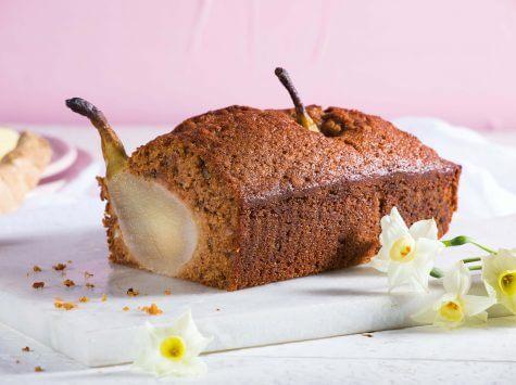 עוגת ג'ינג'ר תבלינים ואגסים שלמים